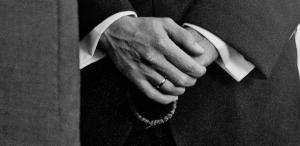 201111_EmilyDino-wedding-04-orthodox-prayer-rope